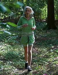 Hiking teenage chick fucked hard by an older guy outdoors
